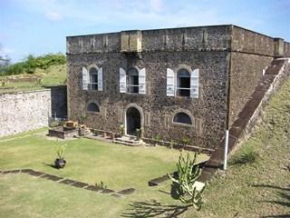 Les Saintes (7/9) Terre-de-Haut - le fort Napoléon dans ANTILLES 1-16