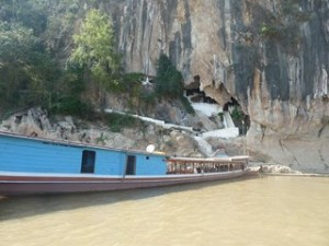 Grottes de Pak Ou au Laos - nouvelles images dans a PRESENTATION 429-300x225