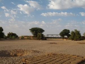 Mali, ma traversée du nord au sud (4/12) au campement de touareg dans MALI le-pont-daguelhoc-1933-copier-300x225